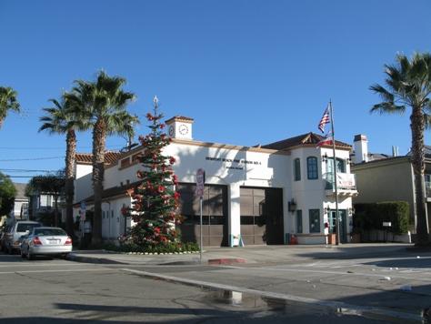 Balboa island Christmas Tree