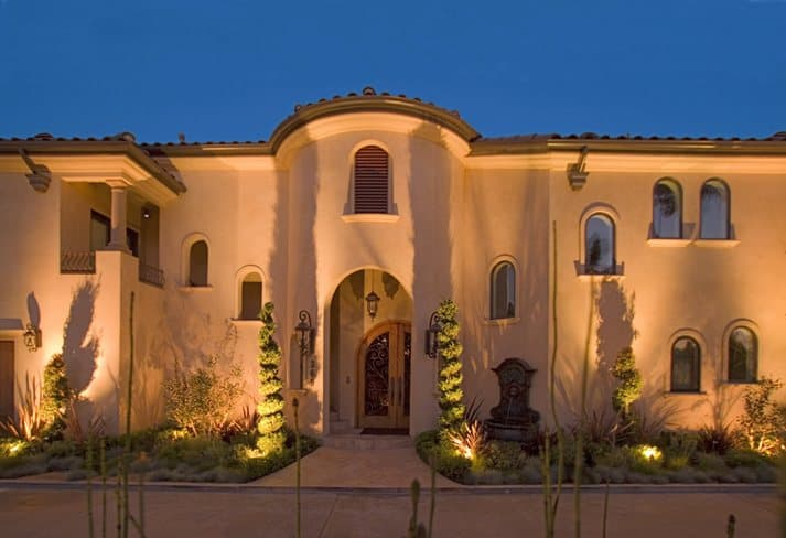 Million dollar homes in Costa Mesa, CA
