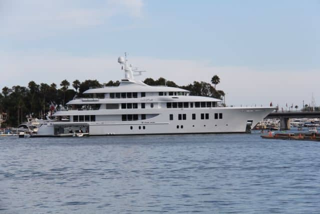 Newport Harbor | the Invictus Yacht