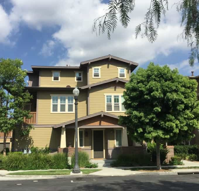 Tustin condos for lease