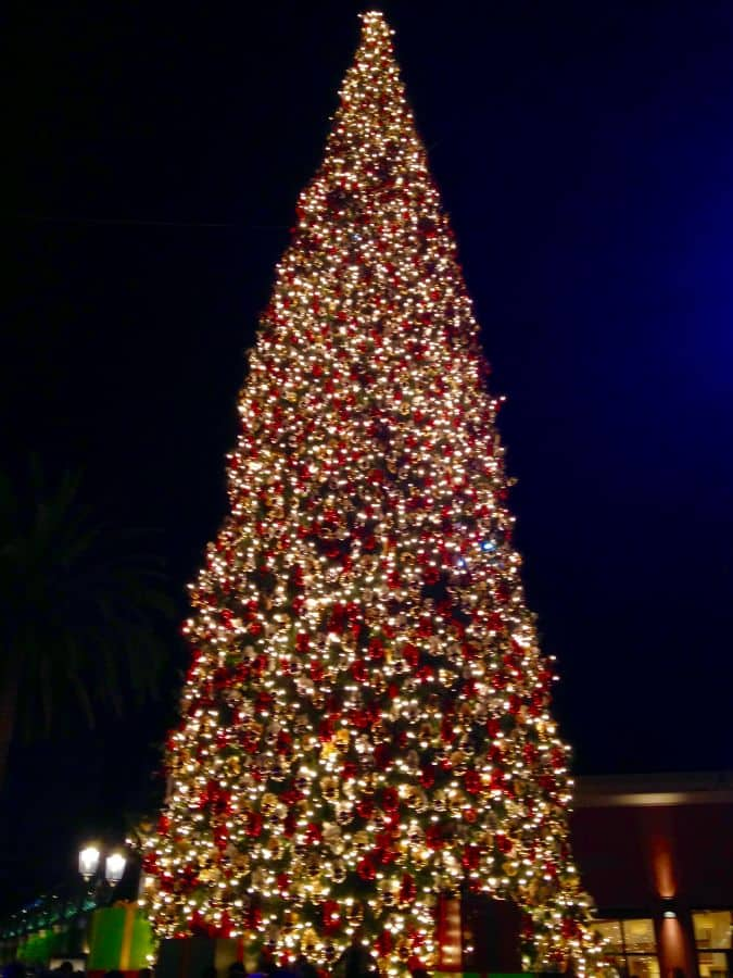 Fashion Island Christmas tree lighting 2016