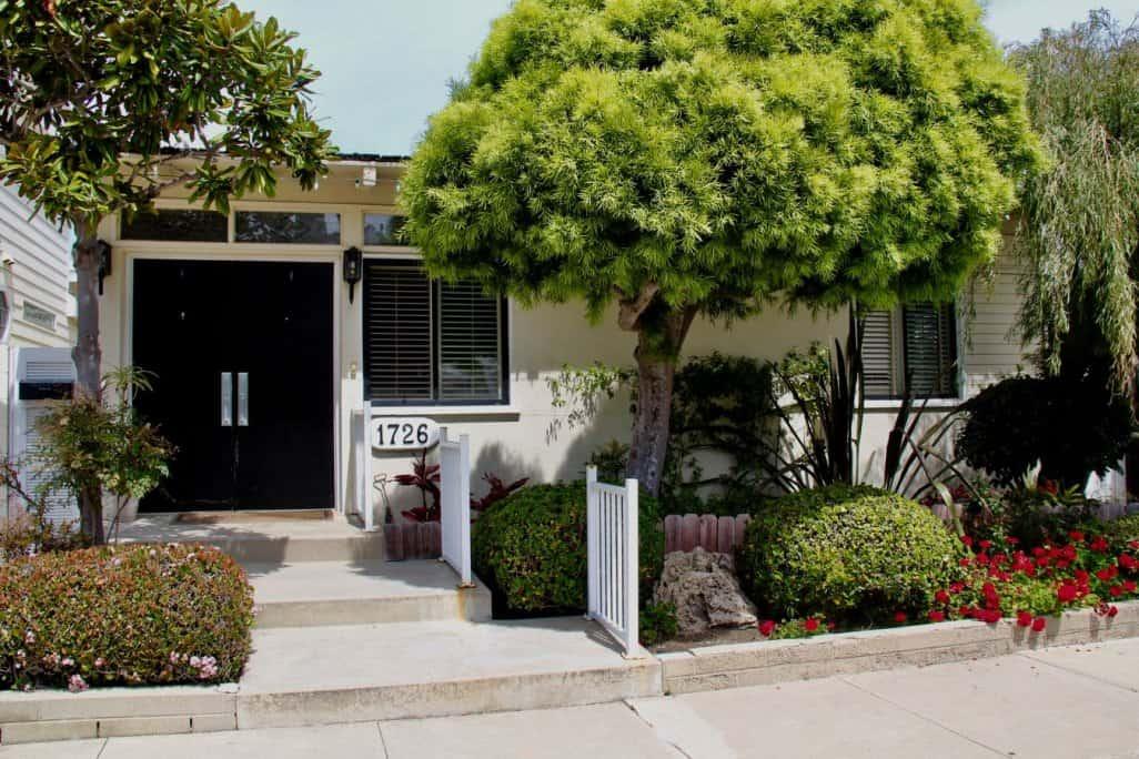Balboa peninsula point homes in Newport Beach