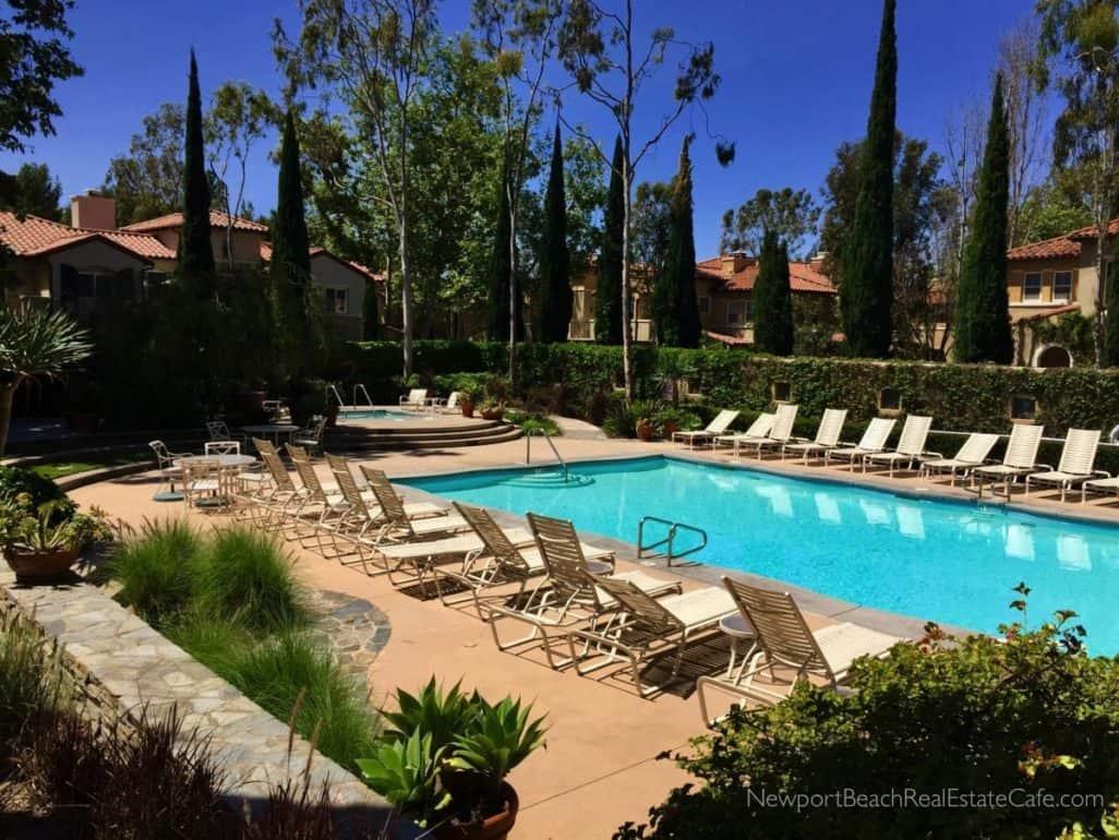 Trovare Pool in Newport Coast CA