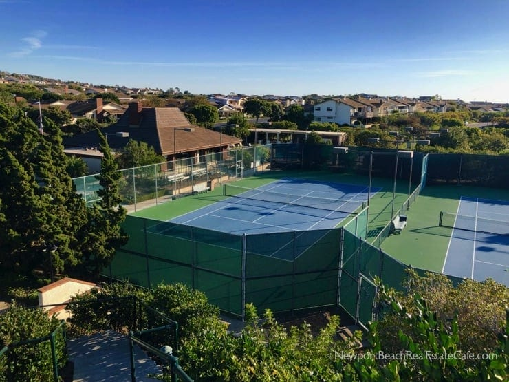 Jasmine Creek tennis court and clubhouse